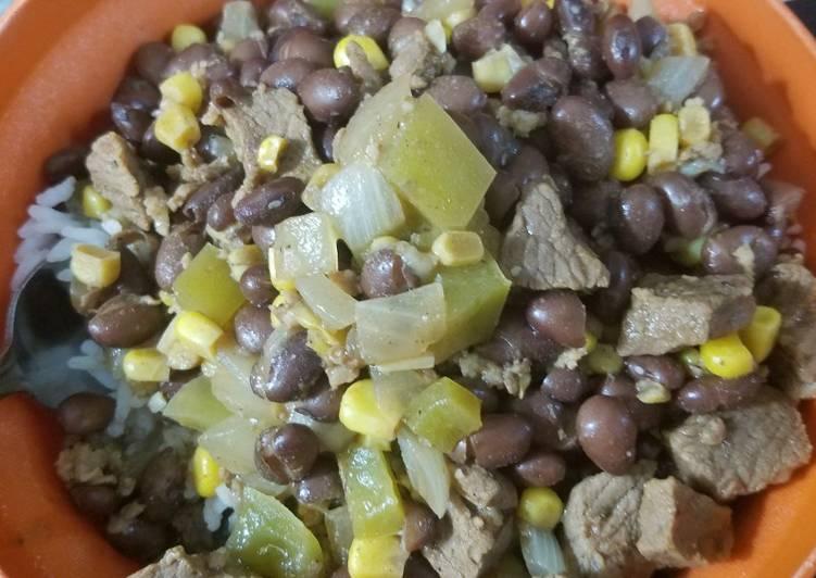 Mama's Crockpot Carne Cerdo Guisada