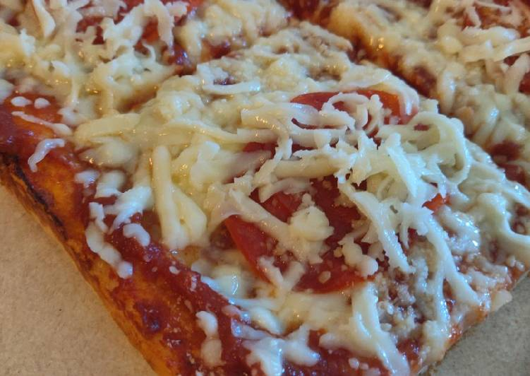 """Recipe of Perfect Cold Topping """"Pittsburgh-Style"""" Tray Pizza"""