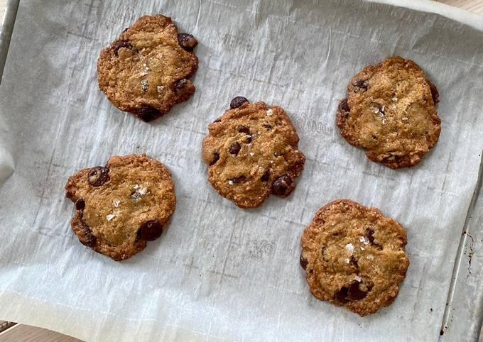 Schritt für Schritt Anleitung Um Perfekte Vegane Chocolate Chip Cookies zu machen