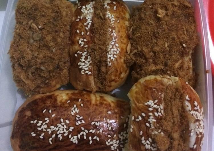 Beef floss bun/ roti abon