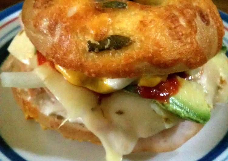 jalapeno cheese bagel sandwhich