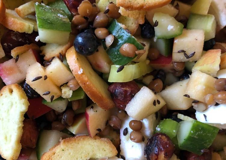 Recipe of Top-Rated Blueberry, lentils and feta Salad