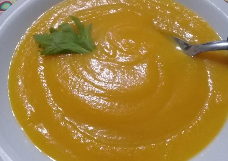 Sopa puré de zapallo y zanahoria