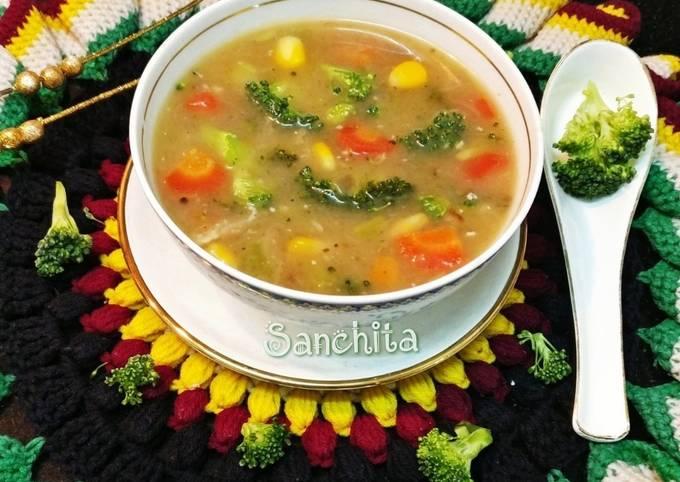 Healthy Broccoli Mix Veg Soup
