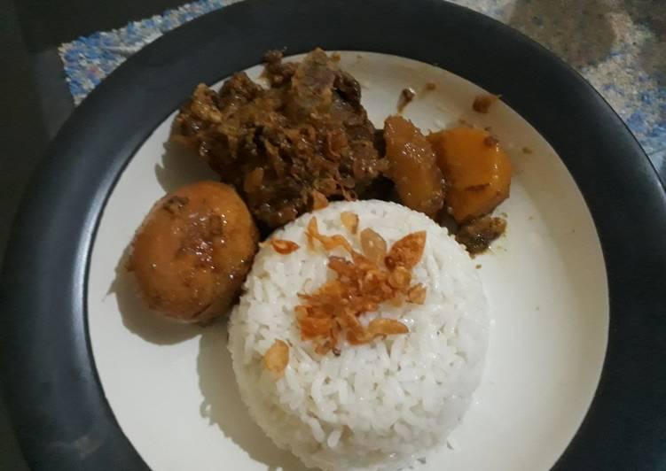 9. Nasi Uduk RiceCooker