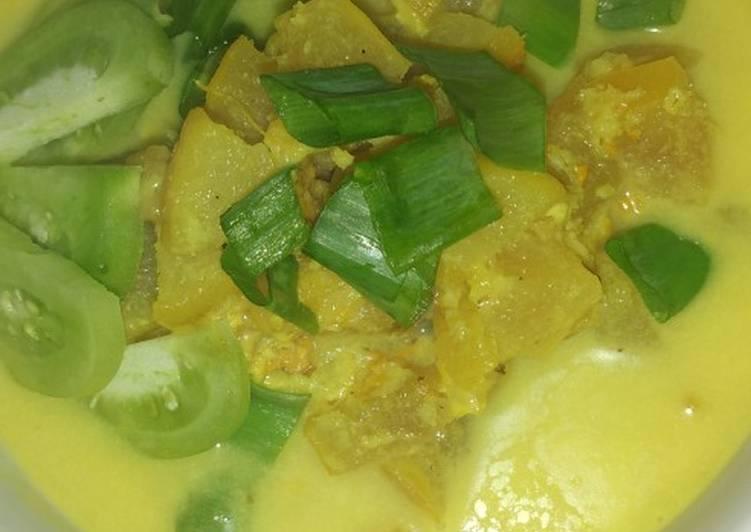 Cara membuat: Soto Kikil Kuah Kuning