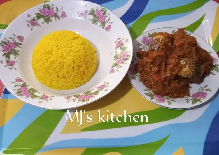 Step-by-Step Guide to Prepare Ultimate Tumeric rice and fish sauce