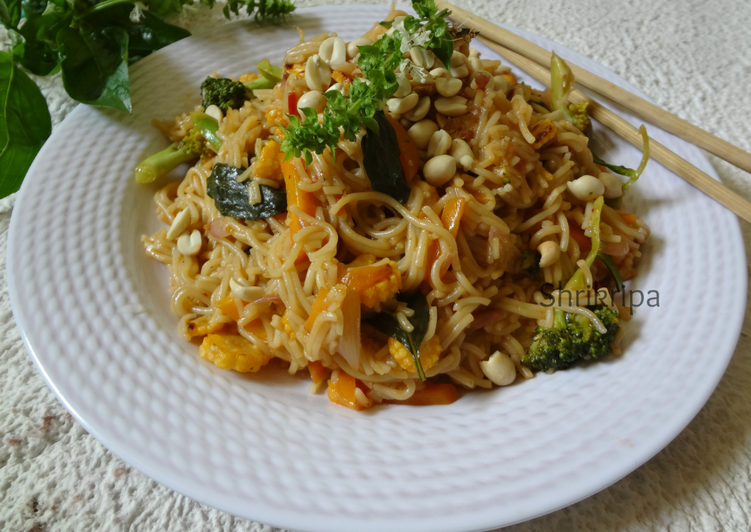 Vegetarian Thai Noodles: Gluten free and Vegan