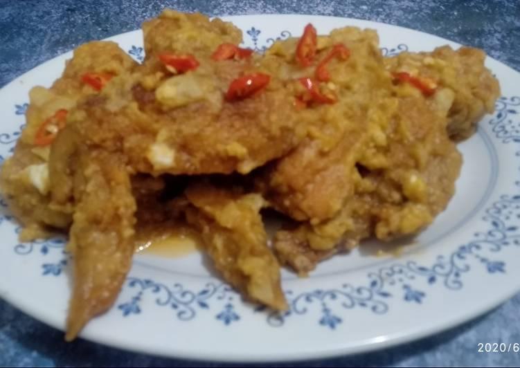 Ayam Goreng Telur Asin