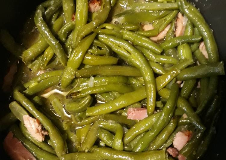 Canadian Bacon and Green Beans