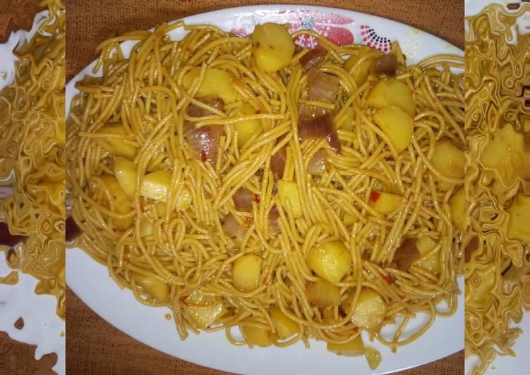 Pasta and potato jallof
