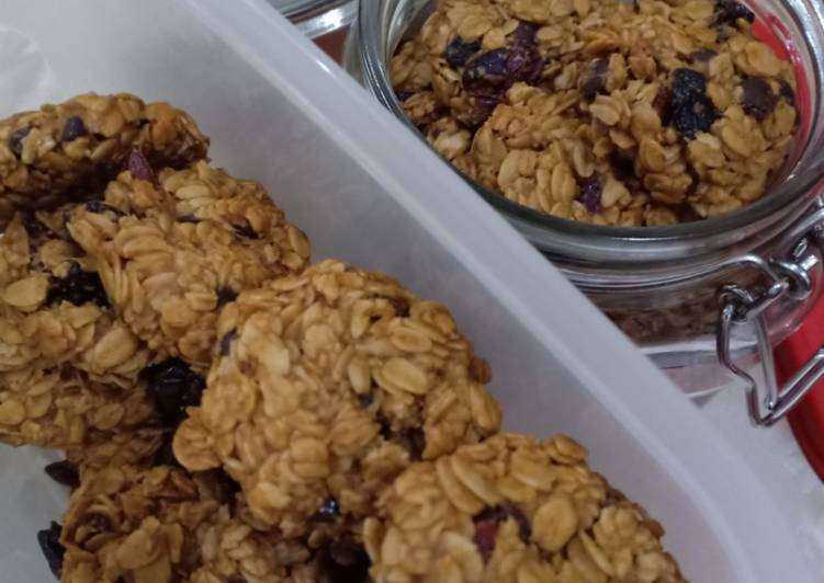 Rolled oat cookies eggless sugarless