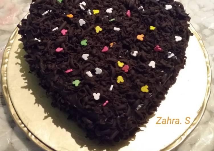 5 Minute Recipe of Summer Chocolate sponge cake with ganache