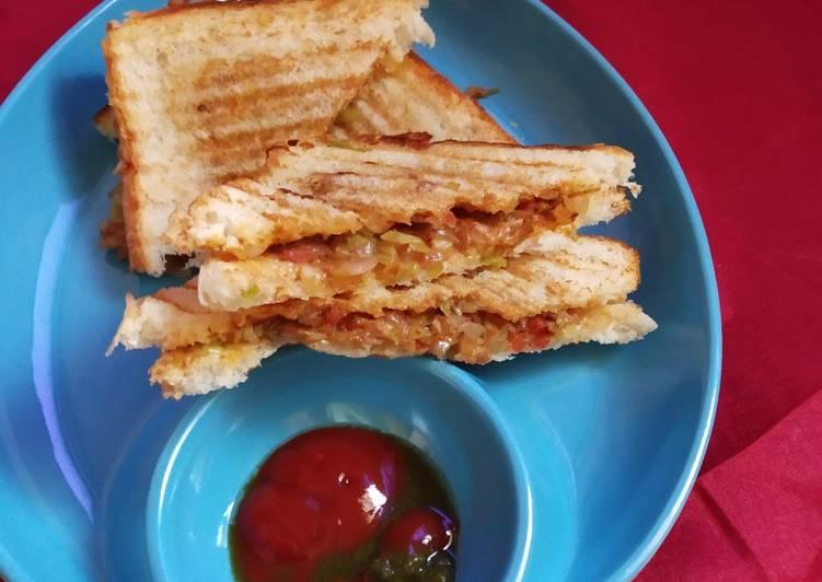 Cheesy pavbhaji sandwich