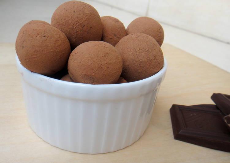 Simple Way to Prepare Homemade Chocolate Truffles
