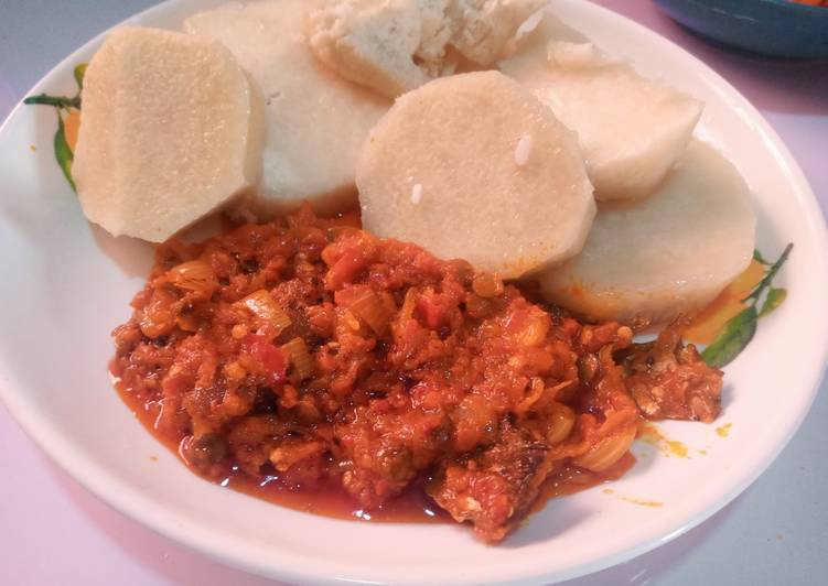 25 Minute Simple Way to Prepare Any Night Of The Week Boiled yam and palm oil stew
