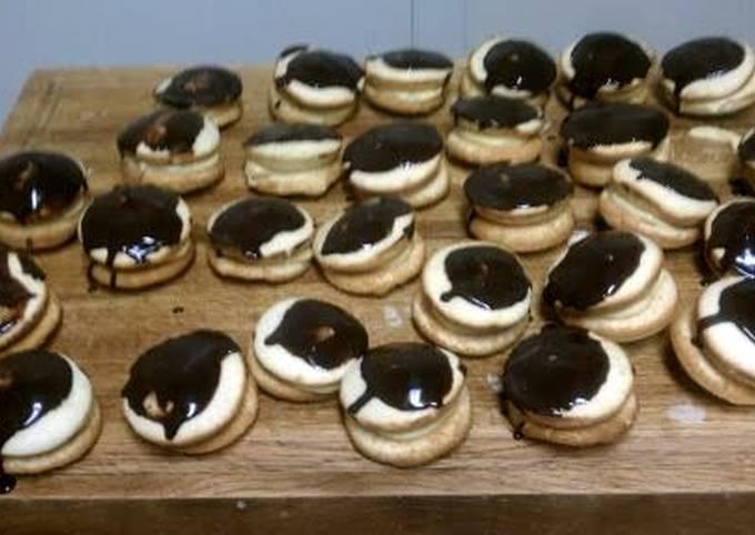 Boston Cream Whoopie Pies