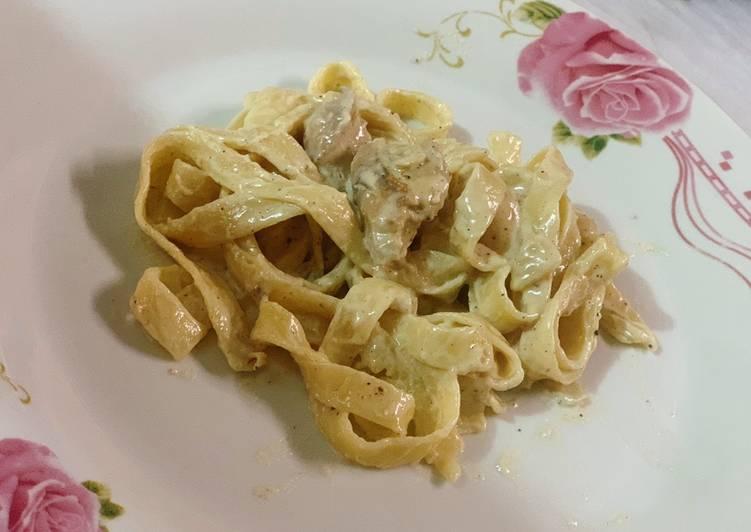 Pasta tagliatelle au champions et crème fraîche