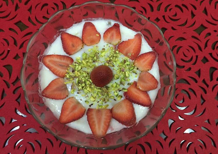 Strawberry banana milk pudding