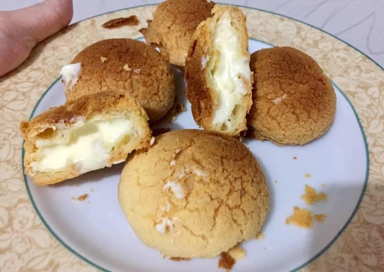 Cream PUFF - crunchy di luar dingin di dalam.. nyammy