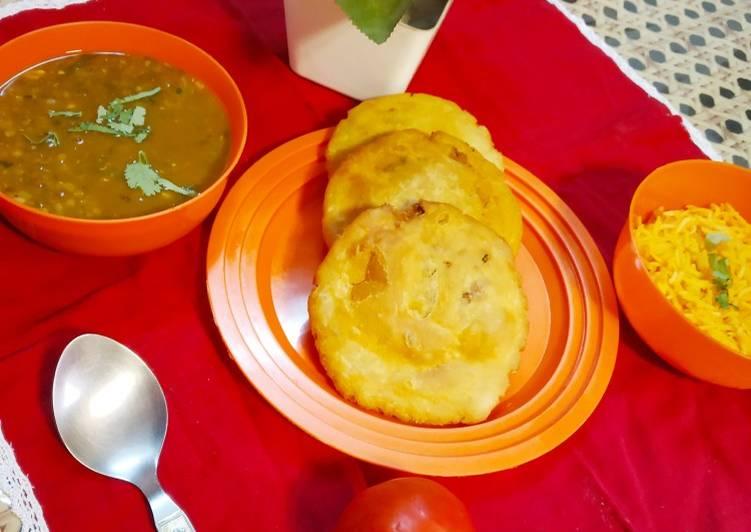 Recipe of Perfect Moth Dal with Masala Kachori