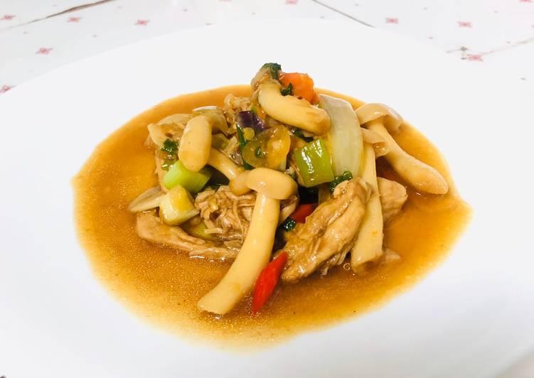 Ayam tumis cap jamur shimeji
