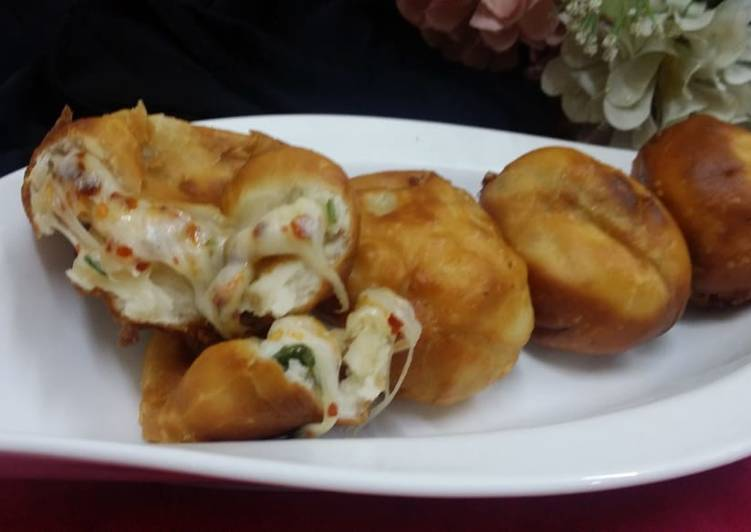 Pizza Fried Bombs
