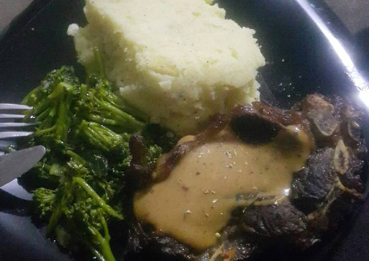 Creamy mash and steak, Many Of You May Not Realize This But Coconut Oil Can Have Great Health Advantages To It