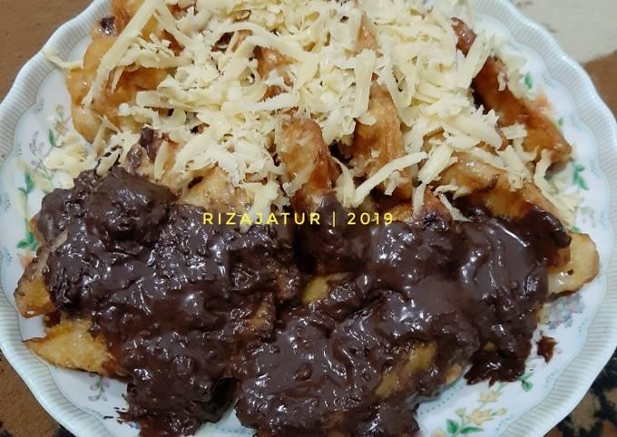 Piscoju (pisang coklat keju) krispi