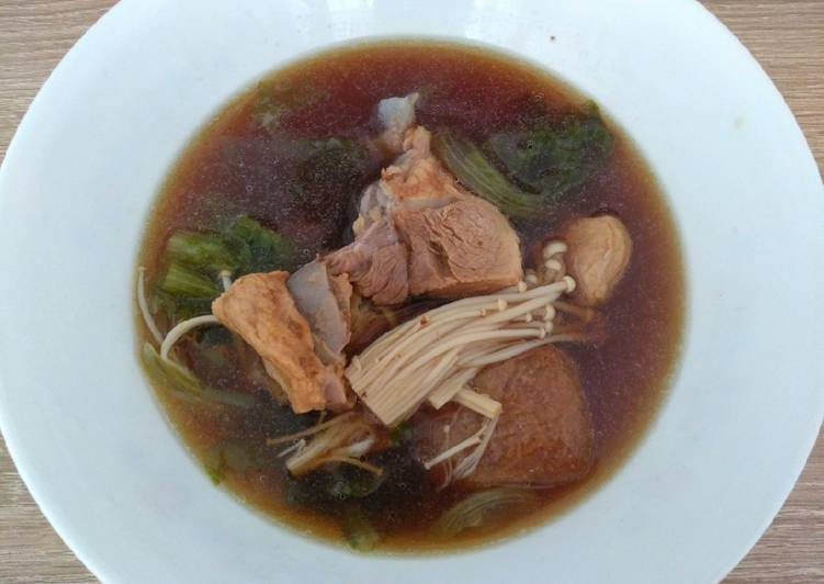 肉骨茶 Herbal Pork Rib Soup (Bak Kut Teh)