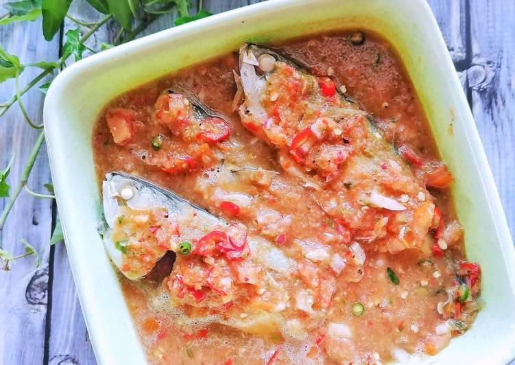 Ikan Kembung Rebus Air Asam - resepipouler.com