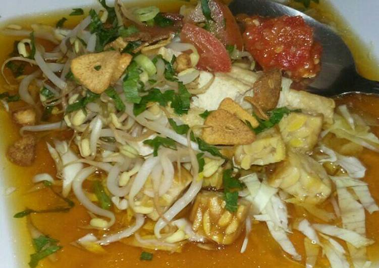 Cara termudah untuk Siapkan Appetizing Kupat tahu (tahu guling)