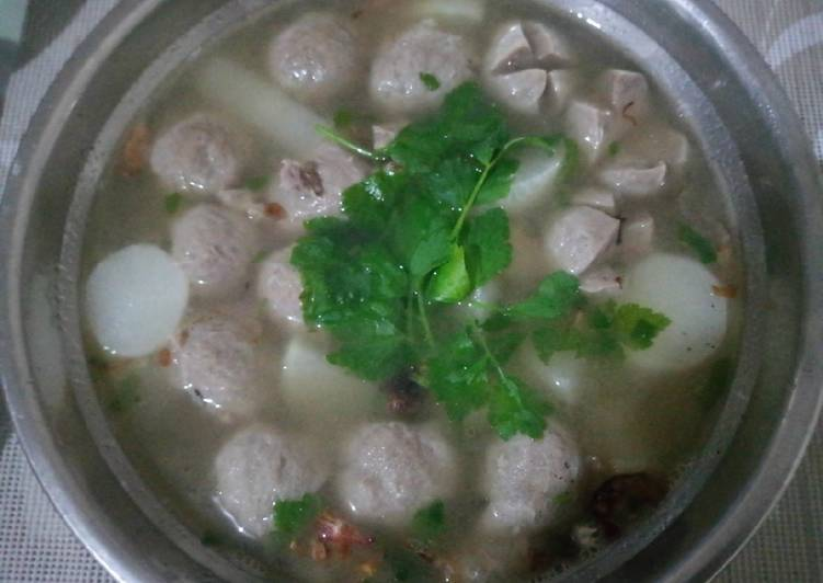 Langkah Mudah untuk Membuat Sup lobak baso /iga sapi yang Sempurna