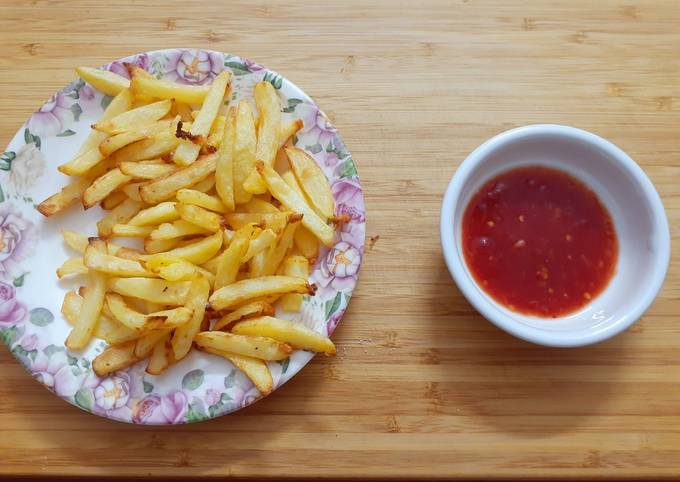 Air Fried French Fries with Chilli Sauce 🍟🌶
