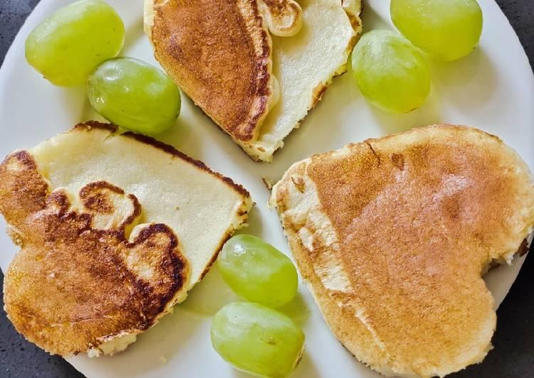Recipe of Ultimate Breakfast Heart Shape Pancake😘