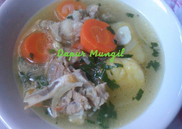 4. Marak lahma (sup kambing arab)