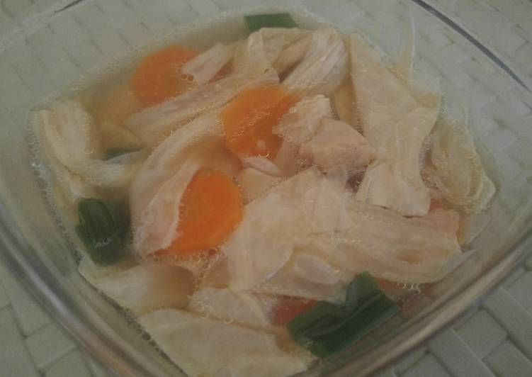 Bean Curd and Chicken soup with carrots