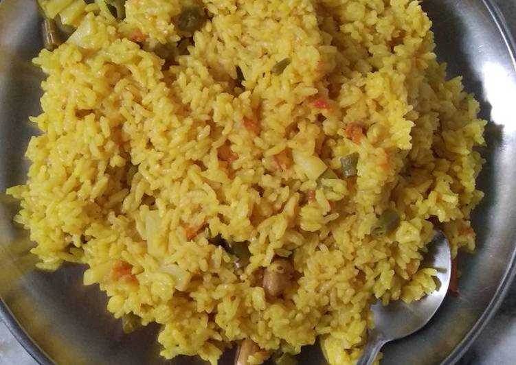Use Food to Improve Your Mood Healthy red lentils khichdi