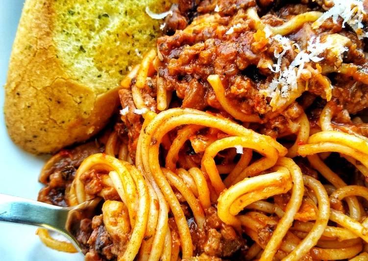 Healthier Simple Spaghetti Bolognese