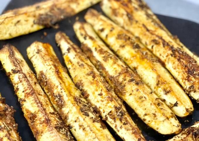 Courgettes marinées grillées au four