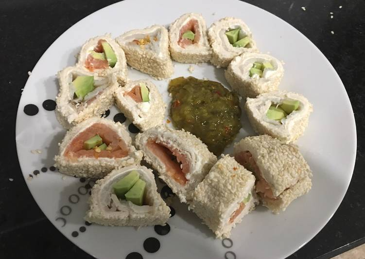 Rollitos salmon gambas y aguacate