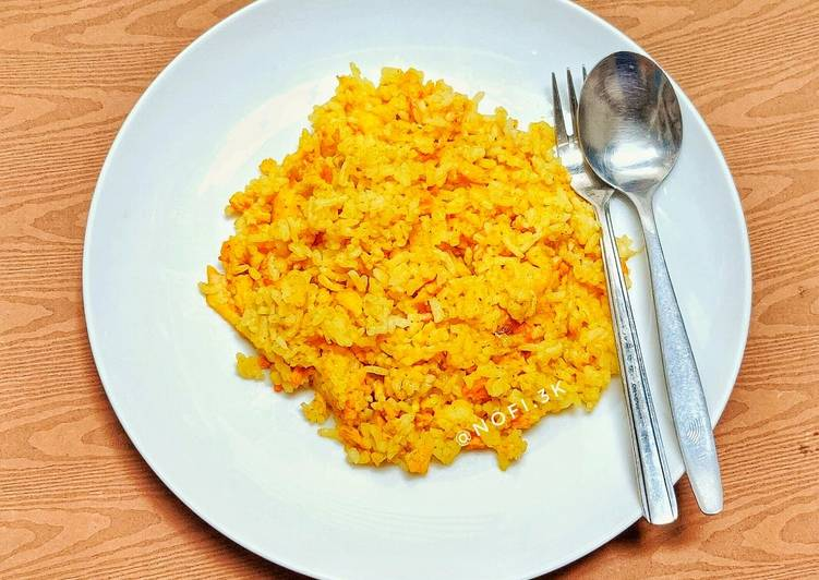 Nasi goreng kuning