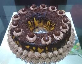 Menghias kue ultah sederhana