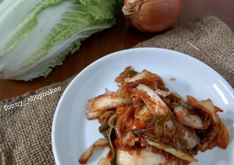 Kimchi instan (baechu-geotjeori)