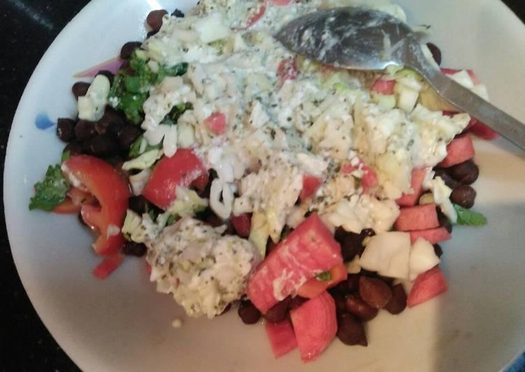 Black chickpeas salad
