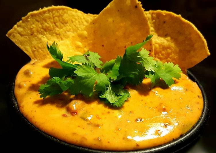 Mike's Southwestern Queso Dip