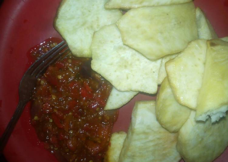 Fried sweet potato with red chilli sauce