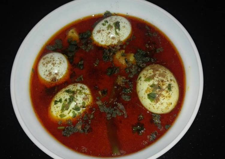 Easiest Way to Make Recipe of Anday Aaloo (Boiled Egg and Potato) Curry