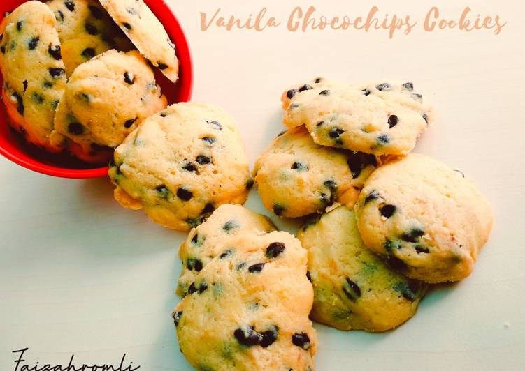 Vanilla Chocochips Raisin Cookies