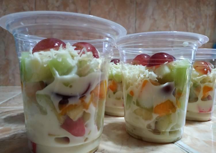 Salad buah segar, praktis